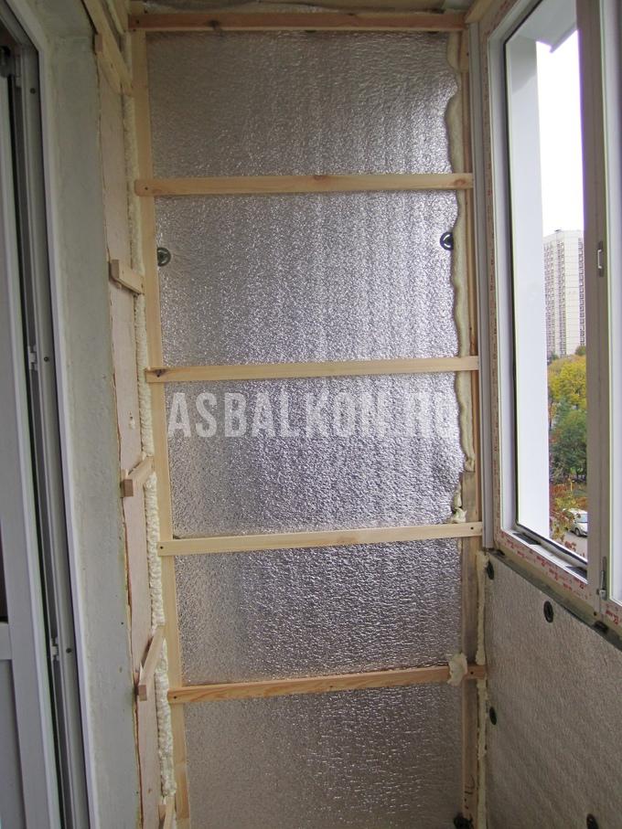 Утепление пенофолом при остеклении балкона и лоджии.